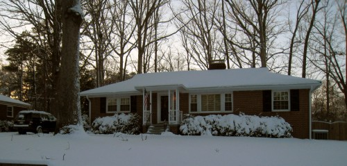 2009 House under snow