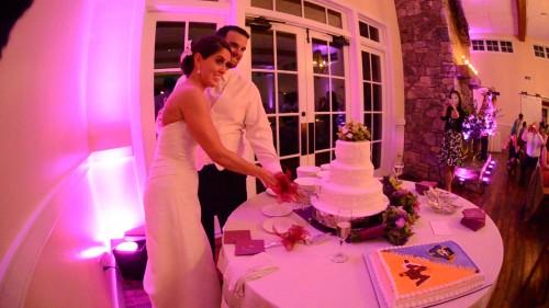 Beth & Chris Wedding cutting cake